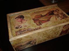 παλιο ξυλινο κουτι