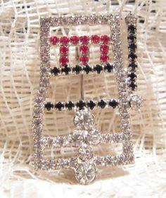 Vintage Rhinestone Slot Machine Brooch Pin by ViksVintageJewelry, $11.99