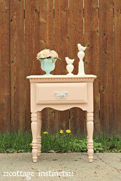 cottage instincts: ::Blushing Side Table::