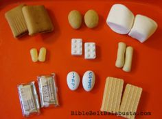 edible Ten Commandment Tablets for our upcoming ten commandments lesson in Sunday school. Sunday School Teacher, Sunday School Lessons, Sunday School Crafts, Edible Crafts, Food Crafts, 10 Commandments Craft, Simchat Torah, Jewish Crafts, Hebrew School