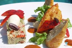 Crispy Seared Baby Chicken © Mozaic Beachclub