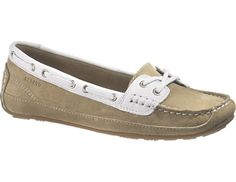 Kate stepped out in her favorite pair of cream and white coloured Sebago 'Bala' boat shoes