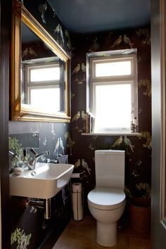 Family Home, London - eclectic - Powder Room - London - Fiona Andrews Interiors Limited Cloakroom Wallpaper, Wallpaper Toilet, Black Wallpaper, Eclectic Toilets, Cloakroom Toilet Downstairs Loo, Small Toilet Room, Powder Room Decor, Powder Rooms, Room London