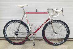 Anyone still have a steel bike? Velo Retro, Velo Vintage, Vintage Bicycles, Retro Bikes, Vintage Sport, Classic Road Bike, Classic Bikes, Road Bikes, Cycling Bikes