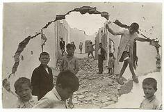 Seville Henri Cartier-Bresson (French, Chanteloup-en-Brie 1908–2004 Montjustin) Date: 1933In 1927, Henri Cartier-Bresson enrolled in André ...