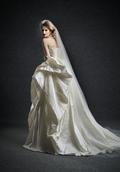 Romania-based bridal house run by two talented sisters, Ersa Atelier and their glamorous wedding dresses for you to gush over 2015 Wedding Dresses, Wedding Gowns, Wedding Blog, Stunning Dresses, Beautiful Gowns, Ersa Atelier, Modern Vintage Weddings, Bridal Musings, Glamorous Wedding