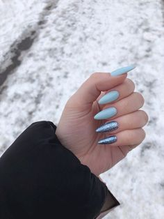 On average, the finger nails grow from 3 to millimeters per month. If it is difficult to change their growth rate, however, it is possible to cheat on their appearance and length through false nails. Simple Acrylic Nails, Best Acrylic Nails, Simple Nails, Stylish Nails, Trendy Nails, Long Nails, My Nails, Nail Manicure, Nail Polish