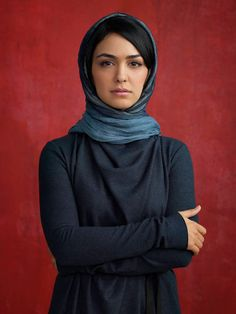 Iranian actress Nazanin Boniadi Images & Filmography - HD Photos