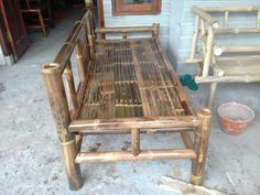 Bamboo Furniture, Furniture Design, Outdoor Furniture, Outdoor Decor, Bamboo Art, Bamboo House, Daybed, Tiny House, Shelves
