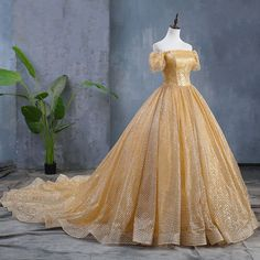 Sparkly Gold Wedding Dresses 2019 Ball Gown Off-The-Shoulder Sequins Short Sleev… Sparkly Gold Brautkleider 2019 Ballkleid Off-The-Shoulder Pailletten Kurzarm rückenfreie Kapelle Zug Wedding Dresses With Flowers, Wedding Dresses 2018, White Wedding Dresses, Bridal Dresses, Tulle Ball Gown, Ball Gowns, Dress With Shawl, Fairytale Dress, Quince Dresses