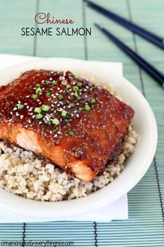 Chinese Sesame Salmon -SO EASY. Perfect for TJ's salmon. Probably already have most ingredients. Fish Dishes, Seafood Dishes, Fish And Seafood, Salmon Dishes, Main Dishes, Fish Recipes, Seafood Recipes, Cooking Recipes, Gastronomia