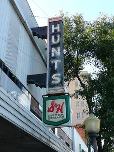 Muskogee, OK Hunt's Department Store 6 by army.arch, via Flickr