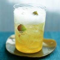 Sparkling Apple Cocktail by SELF