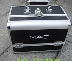 Mac Makeup Case - nuff said! :D