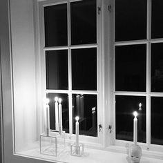 Fredag✨ #fredagsstemning #høst #kubusbylassen #littlejoseph #frekhaugvinduet #jøsendal Bathroom Lighting, Windows, Mirror, Furniture, Home Decor, Bathroom Light Fittings, Homemade Home Decor, Window, Mirrors