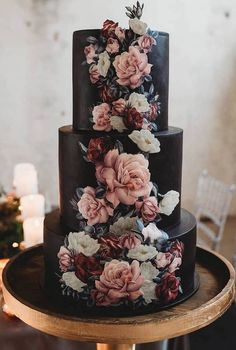 Black moody modern wedding cake with blush and burgundy floral pattern Black Wedding Cakes, Floral Wedding Cakes, Cool Wedding Cakes, Beautiful Wedding Cakes, Wedding Cake Designs, Beautiful Cakes, Amazing Cakes, Wedding Flowers, Wedding Themes