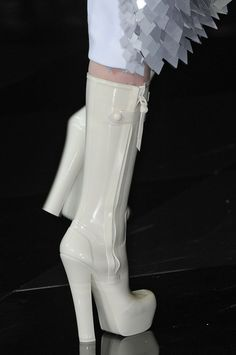 And in White.  These boots were made for walkin'  Louis Vuitton Fall 2011 - Details