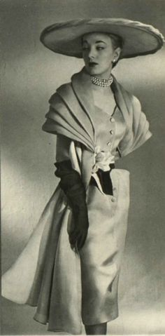 """I just ♥ Love ♥ the dresses from the 50's! Prior pin states: """"1951 Robert Piguet"""""""