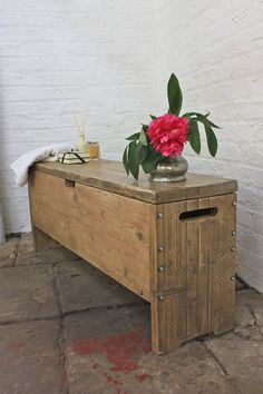 Reclaimed Scaffolding Board Storage Bench - Its salvaged vintage industrial design works perfectly in a sophisticated, casual living space. This Storage Bench can be made to measure to your own specifications. Bench With Storage, Toy Storage, Mobile Storage, Storage Ideas, Diy Furniture, Vintage Furniture, Luxury Furniture, Made To Measure Furniture, Scaffold Boards
