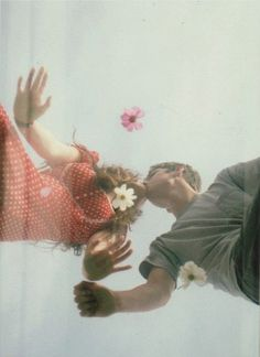 couple with flowers <3