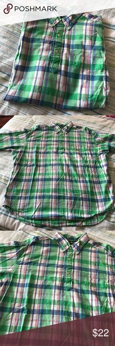 Ralph Lauren Mens Large Green Plaid Shirt S/S For the guys! This is a very nice Ralph Lauren short sleeve shirt. Three buttons with left chest pocket. 100% Cotton. Purcell. Green Plaid. Very nice condition! Ralph Lauren Shirts Casual Button Down Shirts