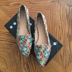 SALE Liberty of London Marais USA floral loafers Marked 9 but fit more like an 8 possibly 8.5. Pointy toe. Gorgeous liberty of London floral print. No trades! Marais USA Shoes Flats & Loafers
