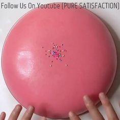 Satisfying Pictures, Oddly Satisfying Videos, Satisfying Things, Slimy Slime, Foam Slime, Diy Fluffy Slime, Slime Vids, Slime And Squishy, Slime Craft
