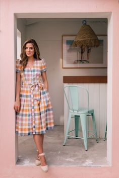 Gal Meets Glam Collection Petite Size Poppy V-Neck Plaid Tie Waist Button Front Midi Dress Frock For Women, Casual Dresses For Women, Clothes For Women, Frock Dress, The Dress, Frock Fashion, Fashion Dresses, Kurta Designs, Blouse Designs