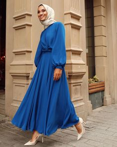 Muslim Fashion, Modest Fashion, Hijab Fashion, Fashion Dresses, Hijab Evening Dress, Hijab Dress, Simple Dresses, Casual Dresses, Elegant Dresses
