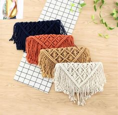 Add a simple boho touch to your look with our Amelia Macrame Bag. The Amelia bag adds a perfect boho accent to any outfit. Let your inner flower child break fre Macrame Purse, Macrame Jewelry, Macrame Knots, Macrame Earrings, Diy Macrame Wall Hanging, Macrame Mirror, Macrame Curtain, Bag Sewing, Womens Messenger Bag