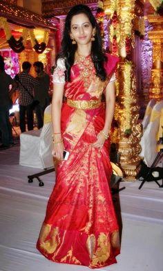 Tejaswini in silk saree at NMK daughter wedding Lehenga Saree Design, Pattu Saree Blouse Designs, Half Saree Designs, Sari, South Indian Wedding Saree, Indian Bridal Sarees, Indian Bridal Fashion, Pattu Sarees Wedding, Silk Sarees