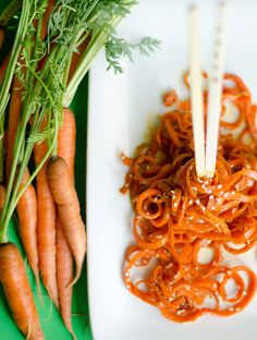 These healthy Asian Carrot Noodles are low in carbs but not in flavor! A great gluten-free dinner recipe instead of pasta. // Live Eat Learn