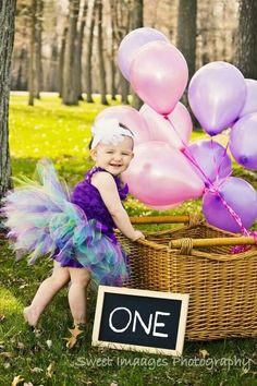 Fantastic idea for a one year old photo session!  :) Love this idea!