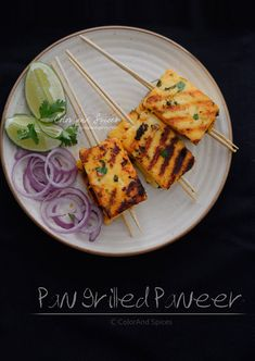 Pan grilled paneer with sriracha, honey, garlic, lime and coriander, a quick and easy party starter Indian Veg Recipes, Paneer Recipes, Indian Snacks, Vegetarian Starters, Vegetarian Recipes, New Recipes, Snack Recipes, Recipies, Paneer Starters