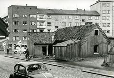 birthplace of writer oskar braaten, torn down mid Oslo, Tear Down, Norway, Gate, Cabin, Black And White, House Styles, Volkswagen Beetles, Pictures