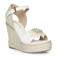 Ladies Beach Wedding wedges with pearl and tulle by ForeverSoles Wedding Wedges, Wedge Wedding Shoes, Beach Wedding Shoes, Wedding Heels, Wedge Shoes, Wedding Shit, Wedding Lace, Wedding Dresses, Wedding Outfits For Women