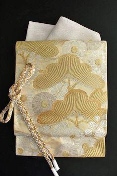 【河合美術織物】特選西陣袋帯「桃山松梅文」金地正絹袋帯名門河合のフォーマル袋帯