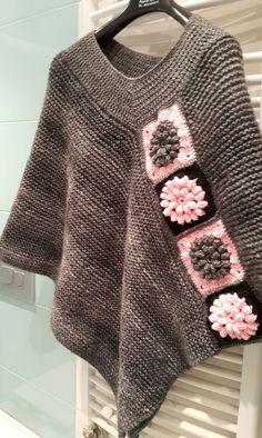 Pancho Crochet Poncho Patterns, Crochet Cardigan, Crochet Shawl, Crochet Wool, Love Crochet, Knitting Accessories, Shawls And Wraps, Crochet Designs, Crochet Clothes