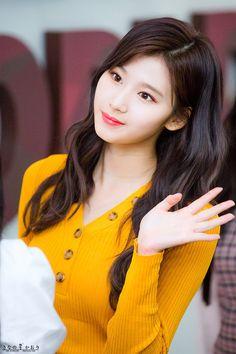 sana - twice Nayeon, Kpop Girl Groups, Korean Girl Groups, Kpop Girls, Twice Jyp, Twice Once, Asian Woman, Asian Girl, Sana Cute