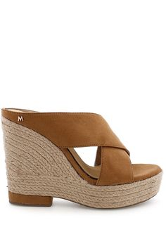 Dovolte nohám užít si léta. Když je venku hezky teplo, i vaše nohy si chtějí užívat. Nazujte je do sandálků ze zbrusu nové kolekce španělské značky... Mario, Espadrilles, Wedges, Shoes, Fashion, Espadrilles Outfit, Moda, Zapatos, Shoes Outlet