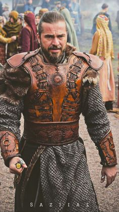 If you want to do Great things do samll things in Great ways Turkish People, Turkish Actors, Beautiful Series, Beautiful Men, Famous Warriors, Turkey History, Best Profile Pictures, Kids Ethnic Wear, Esra Bilgic