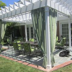 Google Image Result for http://st.houzz.com/fimages/736271_5556-w394-h394-b0-p0--traditional-patio.jpg