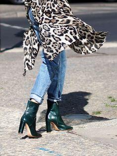 #leopard #pattern #print #streetstyle #berlin #ootd #fashionblogger #layering #layerings #wrapped #oversized #oversize #boyfriend #jeans #denim #helloshopping #style #preggo