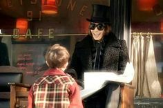 Charlie and the Chocolate Factory Johnny Depp Characters, Tim Burton Characters, Tim Burton Films, Johnny Depp Willy Wonka, Willy Wanka, Romantic Comedies On Netflix, Childhood Characters, Freddie Highmore, Johny Depp