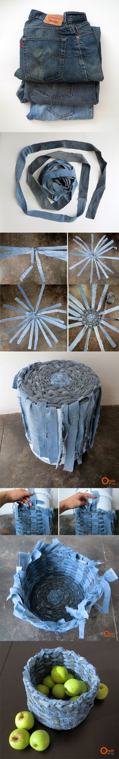 basket recycle jeans jeans DIY very ingenious 2 Jean Crafts, Denim Crafts, Fabric Crafts, Sewing Crafts, Sewing Projects, Recycled Denim, Recycled Crafts, Denim Ideas, Recycle Jeans