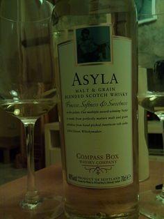 un Asyla, whisky blended escocès. Blended Whisky, Scotch Whisky, Bottle, Scotch Whiskey, Flask, Jars