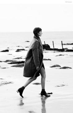 FGR Exclusive | Gaby Loader by Daniel Nadel in Dark & Stormy