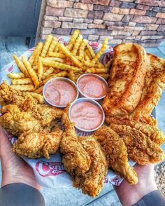 Fried chicken and fries Best Fast Food, Best Food Ever, I Love Food, Good Food, Yummy Food, Sleepover Food, Food Wishes, Food Obsession, Weird Food