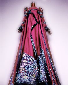 House of Dior (French, founded 1947). John Galliano (British, born Gibraltar, 1960). Dress, autumn/winter 1998–99 haute couture. Pink silk jacquard and black silk satin embroidered with polychrome silk thread. Courtesy of Christian Dior Couture | Photography © Platon #ChinaLookingGlass #AsianArt100