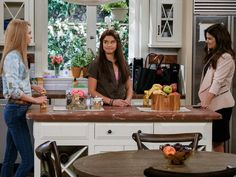 Tiffani Thiessen on Her New Netflix Sitcom, Alexa and Katie, and Saved By the Bell Reunions